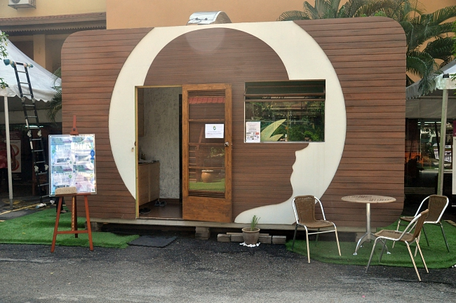 Malaysia s first zero energy carbon neutral house for Carbon neutral home designs