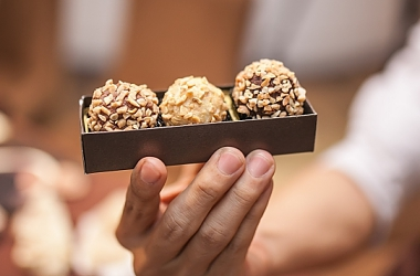 9 QUESTIONS ABOUT CHOCOLATE WITH OUR FAVOURITE MAGNUM ICE CREAM!