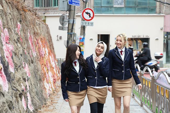 Renting Korean School Uniform In Seoul Is The New Trend!