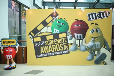 TAKE YOUR SCREEN TIME MOMENTS TO THE NEXT LEVEL WITH THE M&M'S SCREEN BITE AWARDS