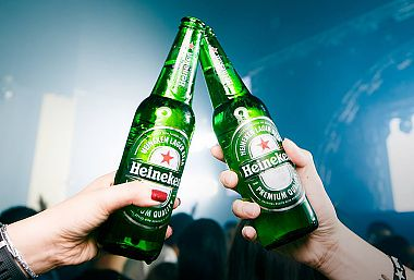 EXPERIENCE UNMISSABLE MOMENTS WITH HEINEKEN® THIS UEFA CHAMPIONS LEAGUE SEASON