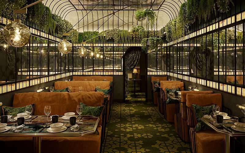 MARINA BAY SANDS WELCOMES HONG KONG'S ICONIC MOTT 32
