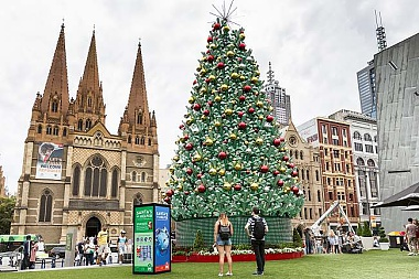 9 FACT ABOUT MELBOURNE EMBRACING CHRISTMAS THIS YEAR!