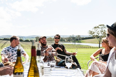 ENJOY 3 DAYS IN THE ADELAIDE HILLS SIPPING WORLD-FAMOUS WINE OVERLOOKING ROLLING HILLS AND LUSH VALLEYS.